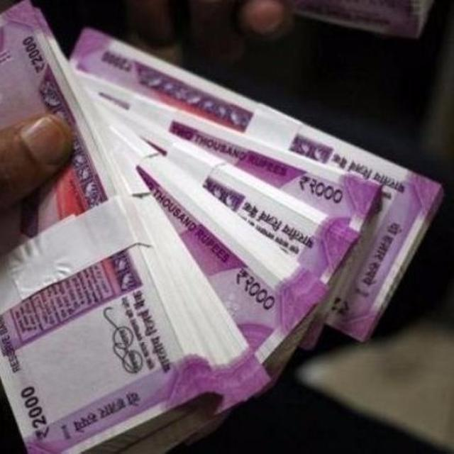 THUMBS UP FOR DEMONETISATION