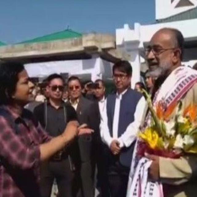 WATCH: CITIZEN WHO CONFRONTED MANTRI SPEAKS