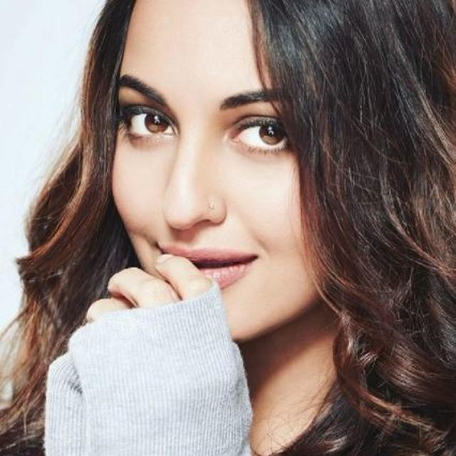 SONAKSHI HAS A NEW 'ADMIRER'