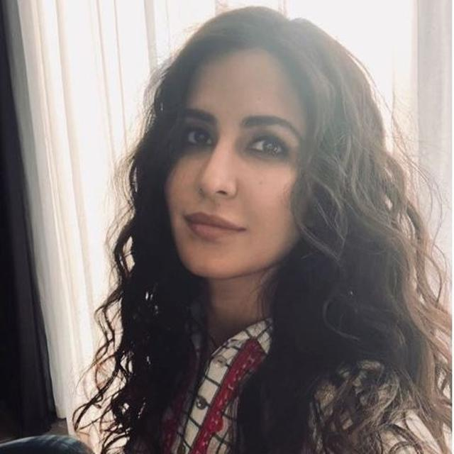 KATRINA KAIF REVEALS HER LOOK IN 'BHARAT' ?