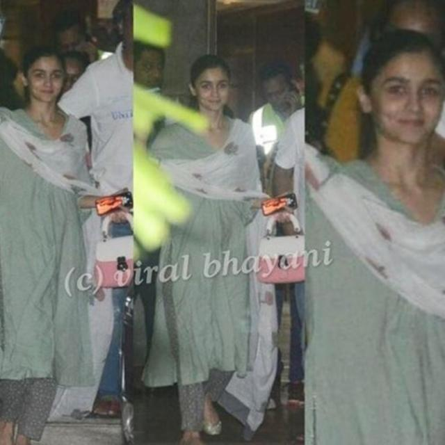 IN PICS: ALIA BHATT SNAPPED AT A PRIVATE AIRPORT