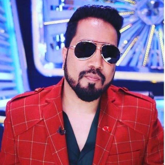 MIKA SINGH'S TWITTER ACCOUNT HACKED