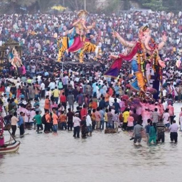 INDIAN NAVY DEPLOYED TO MAINTAIN LAW & ORDER FOR GANESH VISARJAN