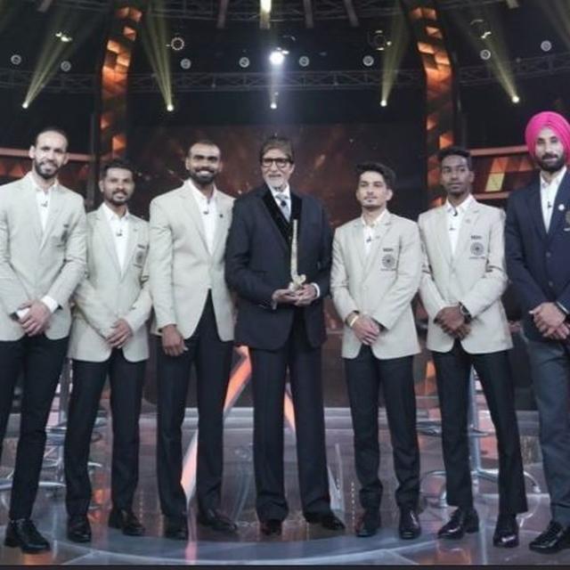 'KAUN BANEGA CROREPATI' HONOURS INDIAN HOCKEY TEAM