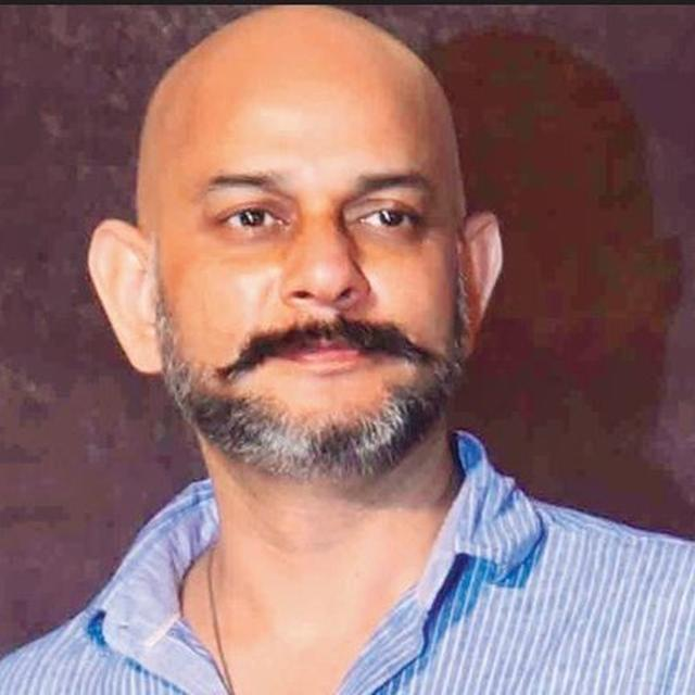 'THUGS OF HINDOSTAN' DIRECTOR MAKES CLARIFICATION ABOUT THE SCRIPT