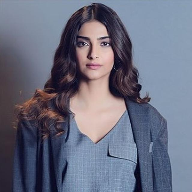 HERE'S WHY SONAM KAPOOR IS OFF TWITTER FOR A WHILE