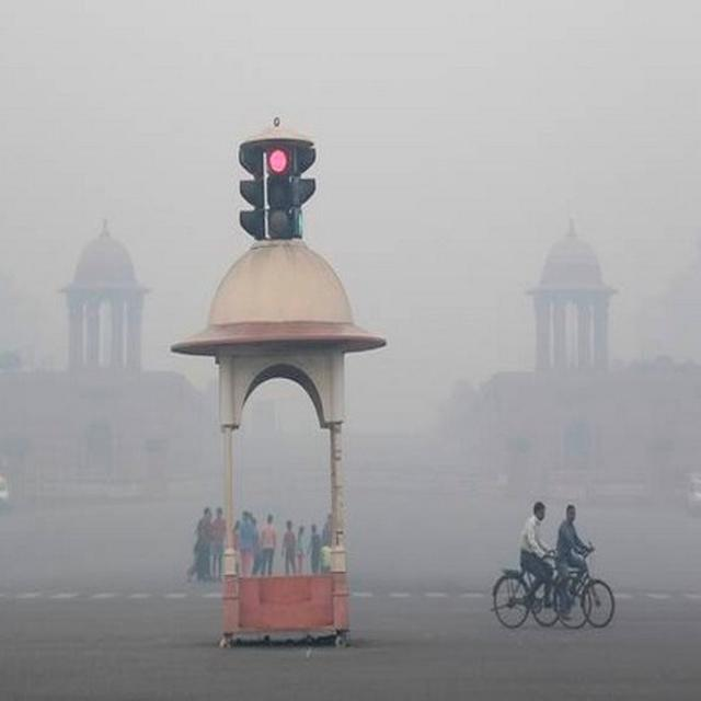 DELHI GASPS FOR BREATH AS AIR QUALITY DIPS FURTHER