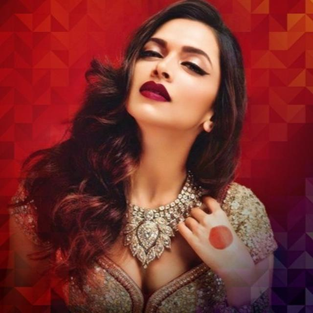 EXCLUSIVE DETAILS ON DEEPIKA PADUKONE'S WEDDING OUTFIT