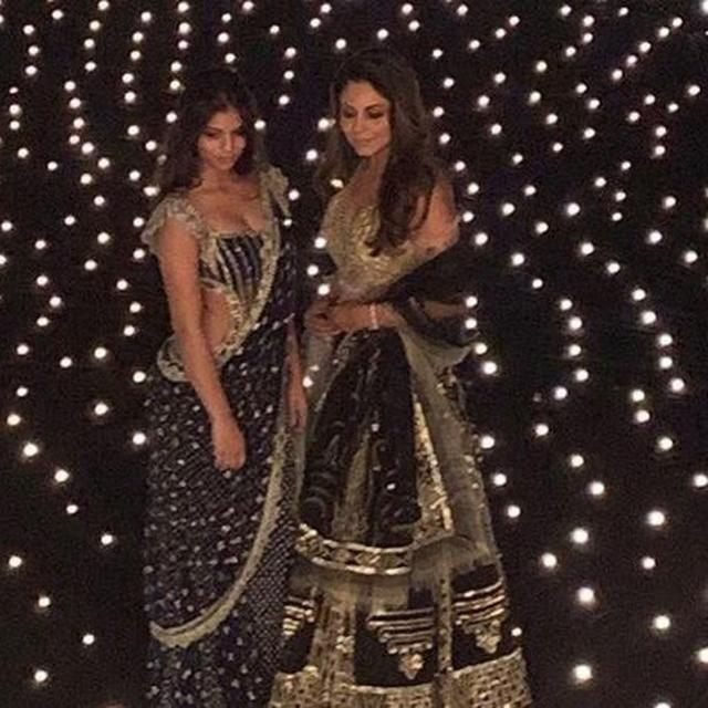 SUHANA KHAN AND GAURI KHAN STUN IN BLACK AT SHAH RUKH KHAN'S DIWALI BASH