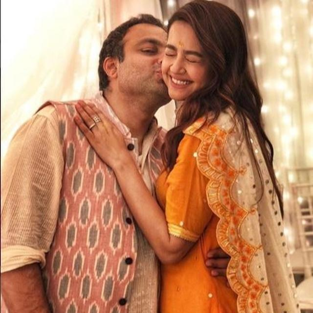 TELEVISION ACTRESS SURVEEN CHAWLA MAKES PREGNANCY ANNOUNCEMENT IN THE MOST ADORABLE WAY POSSIBLE