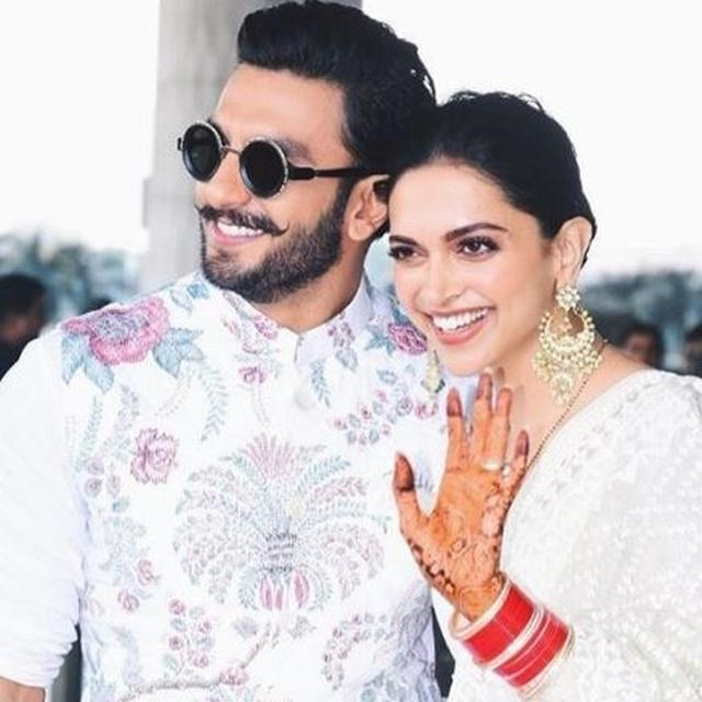 NEWLYWEDS RANVEER AND DEEPIKA SMILE AND WAVE AS THEY HEAD OUT FOR THEIR WEDDING RECEPTION IN BENGALURU, TAKE A LOOK