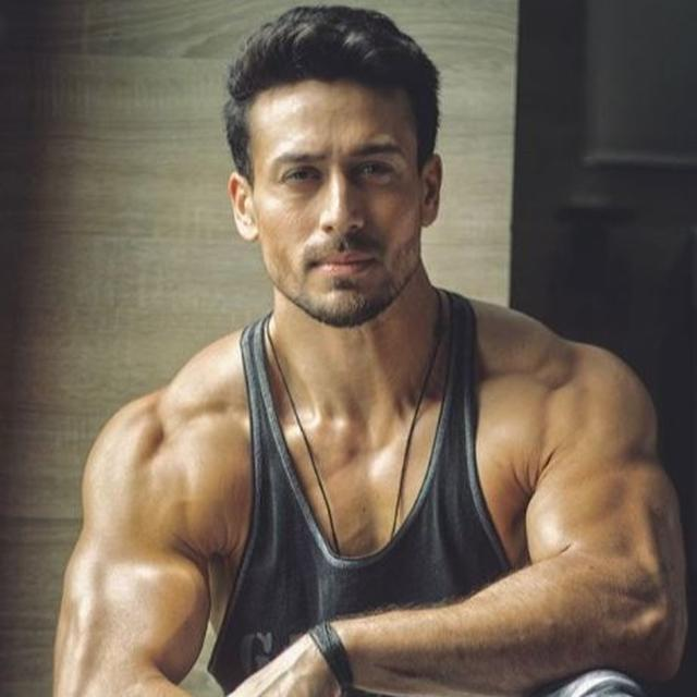 WATCH: TIGER SHROFF HINTS AT HIS 'GROWING AGE' WITH LATEST STUNT BUT FANS AREN'T BUYING IT; HERE'S WHY