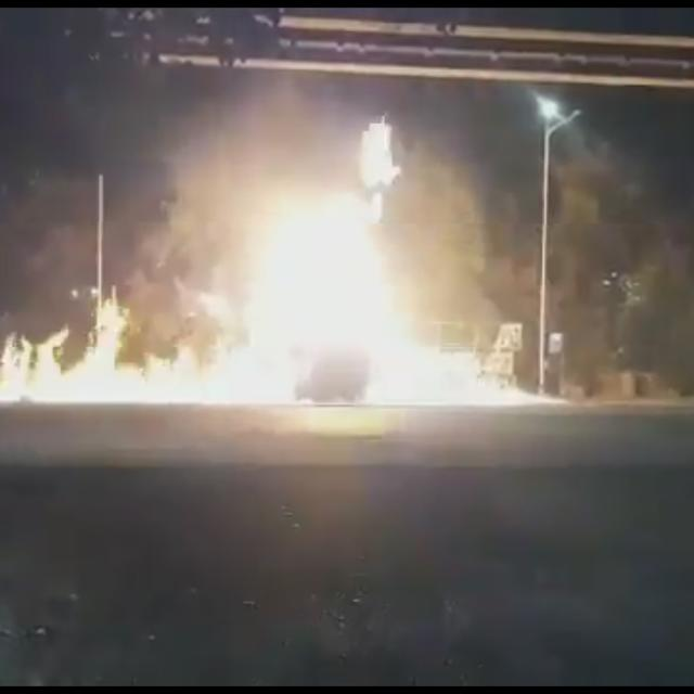 MUMBAI: 1 KILLED AFTER OIL TANKER BURSTS INTO FLAMES IN WADALA