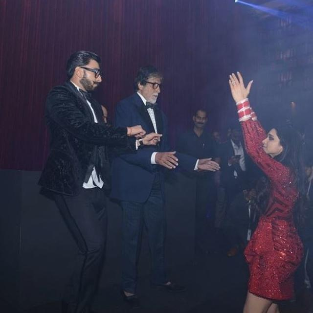 "WATCH: AMITABH BACHCHAN DJS  HIS ICONIC SONG ""JUMMA CHUMMA"" WWITH DEEPIKA PADUKONE AND RANVEER SINGH AT THEIR WEDDING CELEBRATIONS"
