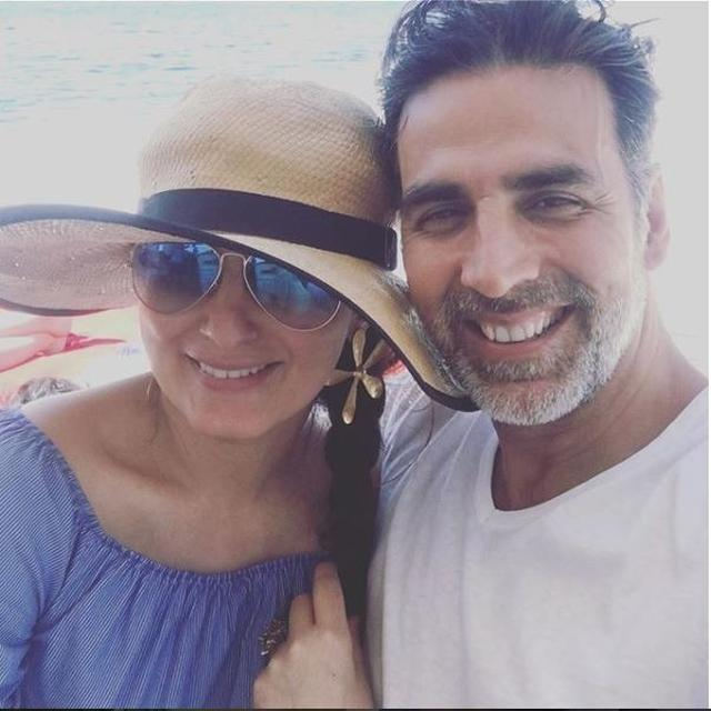 AFTER GETTING ADMITTED TO A HOSPITAL, TWINKLE KHANNA SHARES RIB-TICKLING CONVERSATION WITH AKSHAY KUMAR, TAKE A LOOK!