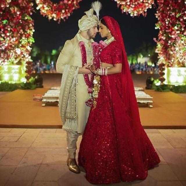 HERE'S HOW MANY MAN HOURS WENT INTO MAKING PRIYANKA CHOPRA'S REGAL WEDDING LEHENGA, SABYASACHI REVEALS