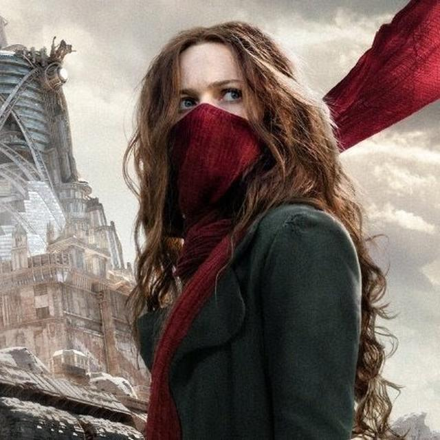 MORTAL ENGINES: 'IT'S LIKE STAR WARS AND MAD MAX HAD A CHILD', NETIZENS ARE BLOWN AWAY BY PETER JACKSON'S SCI-FI FILM