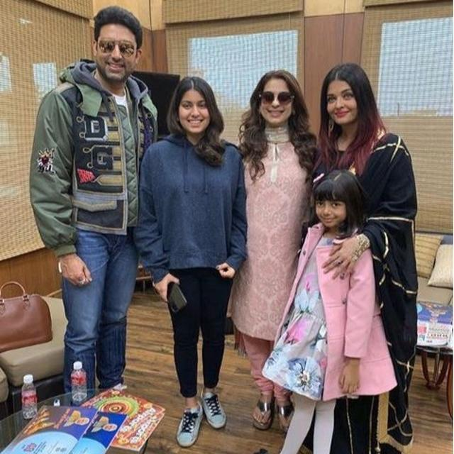 'AARADHYA IS SUCH A DOLL': JUHI CHAWLA AND HER DAUGHTER JHANVI'S LOVELY MOMENT WITH ABHISHEK, AISHWARYA RAI BACHCHAN AT UDAIPUR