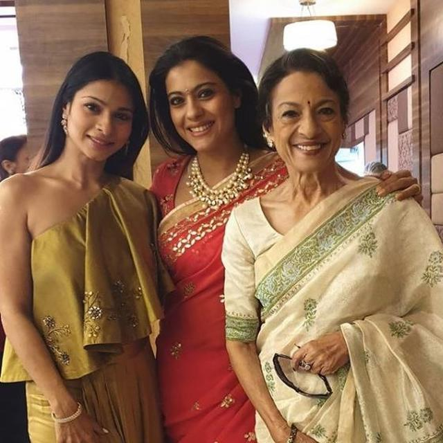 KAJOL IS ALL SMILES AS SHE POSES WITH MOTHER TANUJA AND SISTER TANISHAA MUKERJI