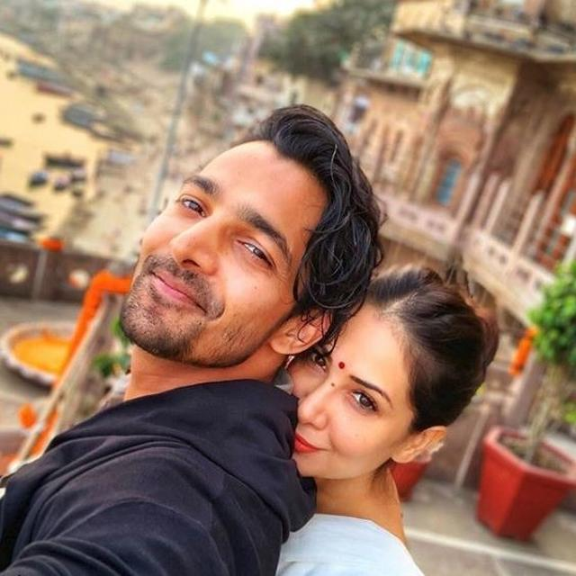 KIM SHARMA MAKES IT INSTAGRAM OFFICIAL WITH RUMOURED BOYFRIEND HARSHVARDHAN RANE, SEE PICTURE