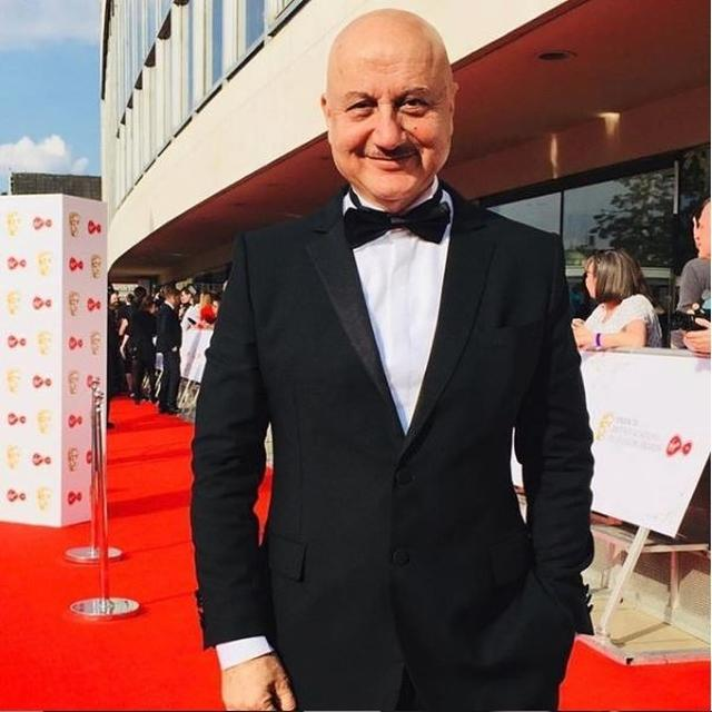 WATCH: ANUPAM KHER HAS FOUND A 'POSSIBLE FUTURE MEDAL WINNER' FOR INDIA IN KICKBOXING!