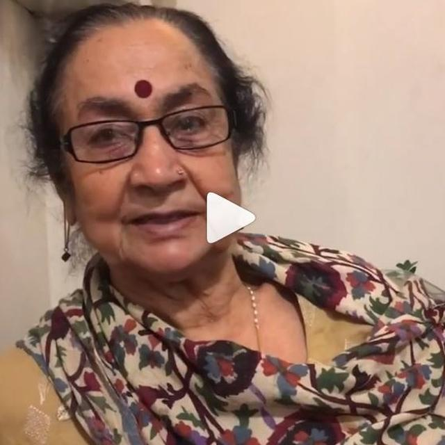 WATCH: ANUPAM KHER'S MOTHER GIVES A CANDID REVIEW OF 'THE ACCIDENTAL PRIME MINISTER', HERE'S WHAT SHE HAD TO SAY
