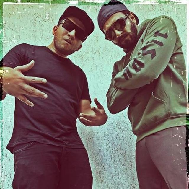 RANVEER SINGH RAISES THE COOLNESS QUOTIENT YET AGAIN AS HE POSES WITH THE ORIGINAL 'GULLY BOY' RAPPER NAEZY