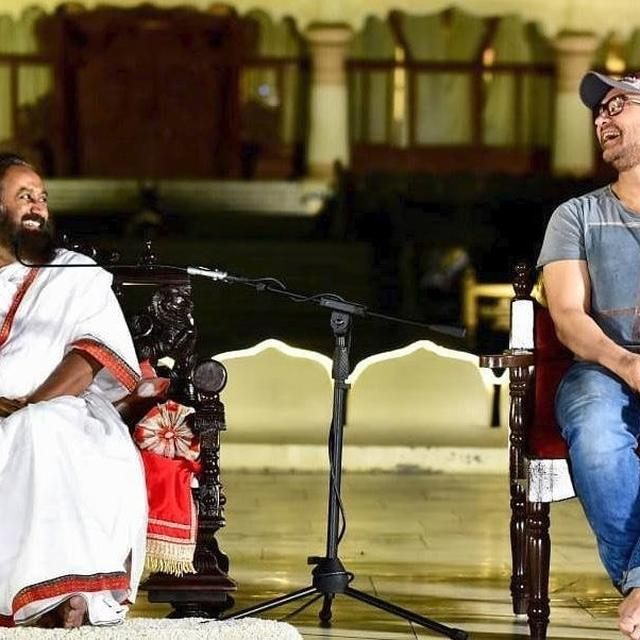 'THANK YOU GURUJI FOR YOUR LOVE, WARMTH AND WISDOM': AAMIR KHAN EXPRESSES DELIGHT ON MEETING SRI SRI RAVI SHANKAR