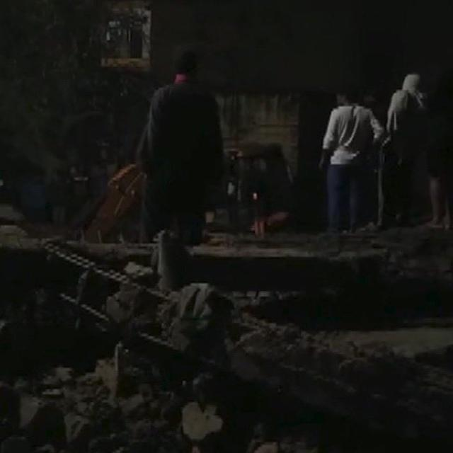 FOUR-STOREY BUILDING COLLAPSES IN GURUGRAM, OVER FIVE PEOPLE FEARED TRAPPED: LIVE UPDATES