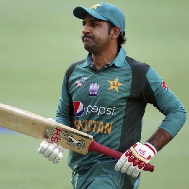 PAKISTAN CAPTAIN SARFRAZ AHMED APOLOGISES AFTER HURLING RACIAL ABUSES AT SOUTH AFRICA'S ANDILE PHEHLUKWAYO. READ HERE