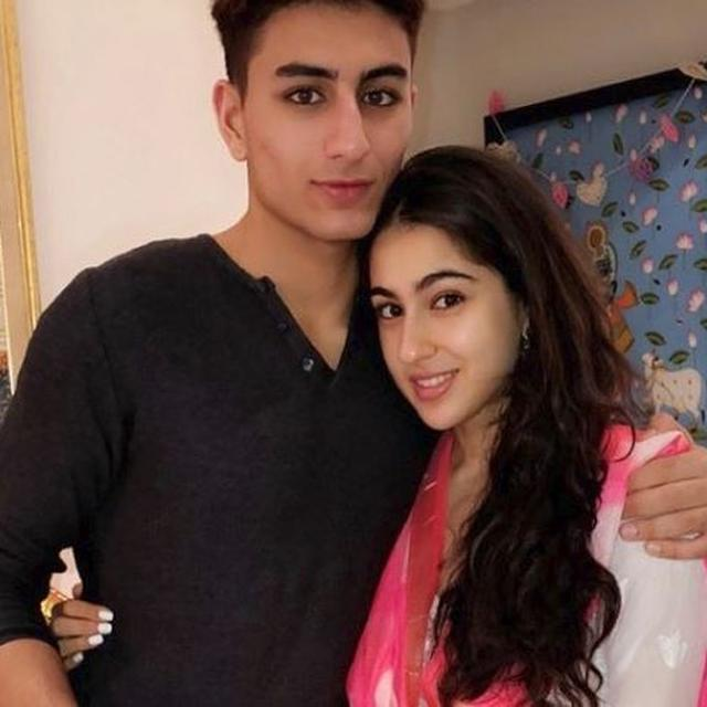 SARA ALI KHAN WAS ASKED IF SHE WILL SLAP HER BROTHER IBRAHIM FOR RS 1 CRORE, HER ANSWER WILL LEAVE YOU IN SPLITS