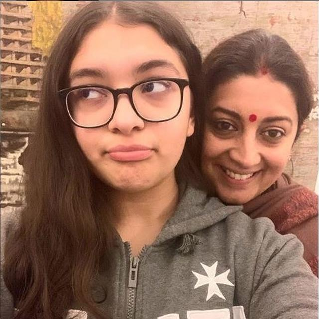 SMRITI IRANI SHARES THE RIGHT WAY TO HANDLE 'TEENAGE TANTRUMS' IN A SWEET PICTURE WITH HER DAUGHTER