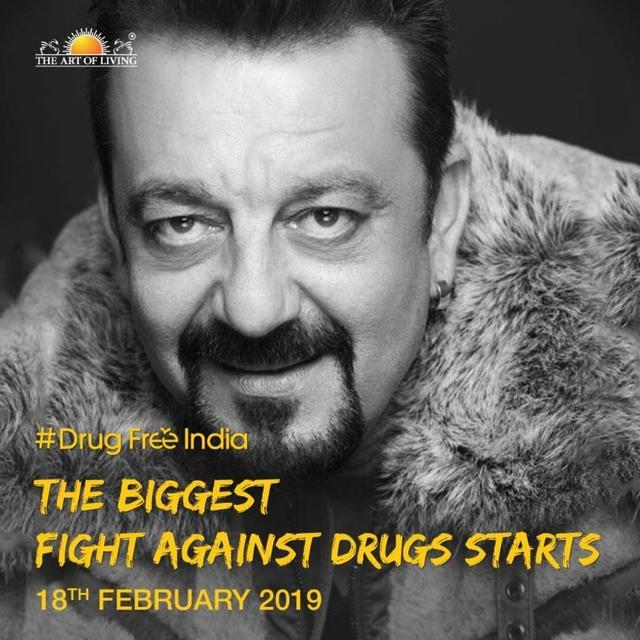 #DRUGFREEINDIA CAMPAIGN: SANJAY DUTT JOINS HANDS WITH SRI SRI RAVI SHANKAR TO FIGHT AGAINST DRUG ADDICTION