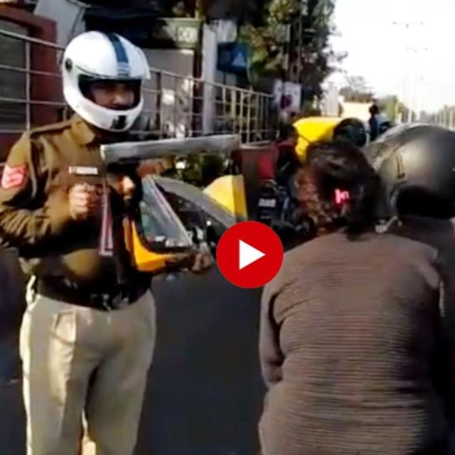 WATCH: DELHI POLICE 'LITERALLY' SHOW MIRROR TO LAW-BREAKING CITIZENS