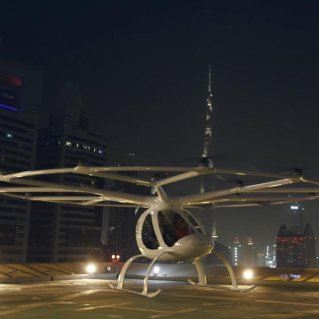 VIDEO : THIS ELECTRIC AIR TAXI CAN FLY ON ITS OWN, WITH OR WITHOUT YO ON-BOARD!