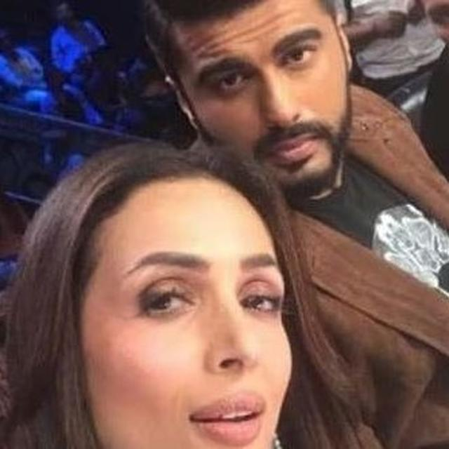 ARJUN KAPOOR ASKS FANS TO LEAVE THE WORRYING FOR ANOTHER DAY, MALAIKA ARORA REACTS. SEE HERE