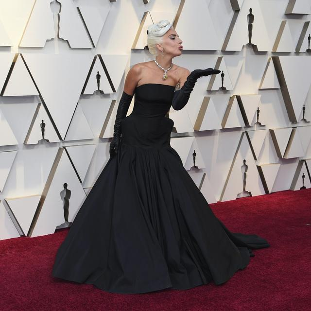 OSCAR 2019: LADY GAGA SPORTS PRICELESS TIFFANY YELLOW DIAMOND ONCE WORN BY AUDREY HEPBURN