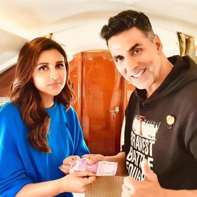 READ | AFTER RECEIVING RS. 2000 FROM PARINEETI CHOPRA, AKSHAY KUMAR'S LUDO-PLAYING SKILLS RESULTS INTO HILARIOUS TWITTER BANTER WITH RITEISH DESHMUKH, POOJA HEGDE & HUMA QURESHI