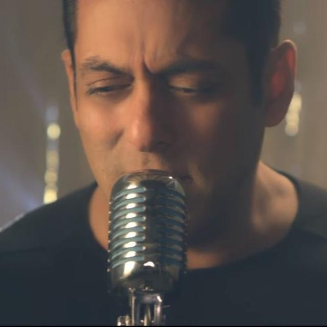 'THIS IS INSANELY BEAUTIFUL' SAY NETIZENS AS SALMAN KHAN LENDS HIS VOICE TO 'NOTEBOOK' NEW SONG  'MAIN TAARE'