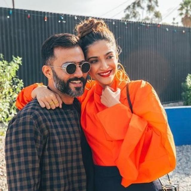 ANAND AHUJA'S SHARES SWEET NOTHINGS WITH SONAM KAPOOR AND IT IS HILARIOUS