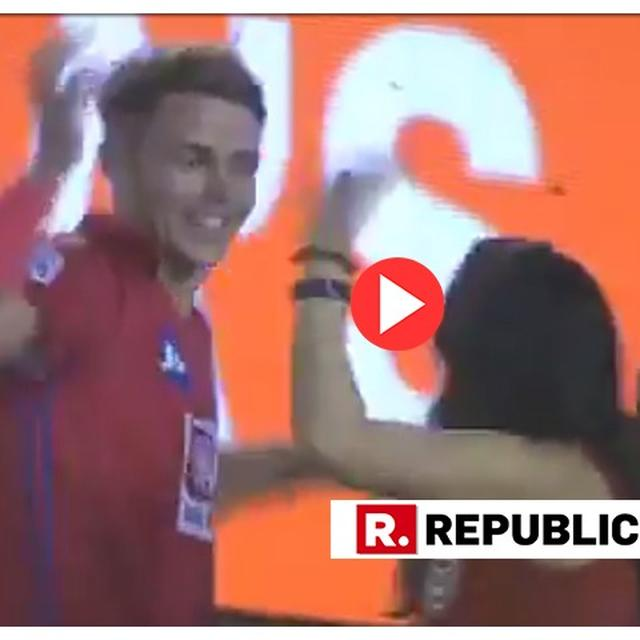 WATCH: SAM CURRAN BREAKS INTO AN IMPROMPTU 'BHANGRA' WITH KXIP OWNER PREITY ZINTA AFTER MATCH-WINNING HEROICS AGAINST DC