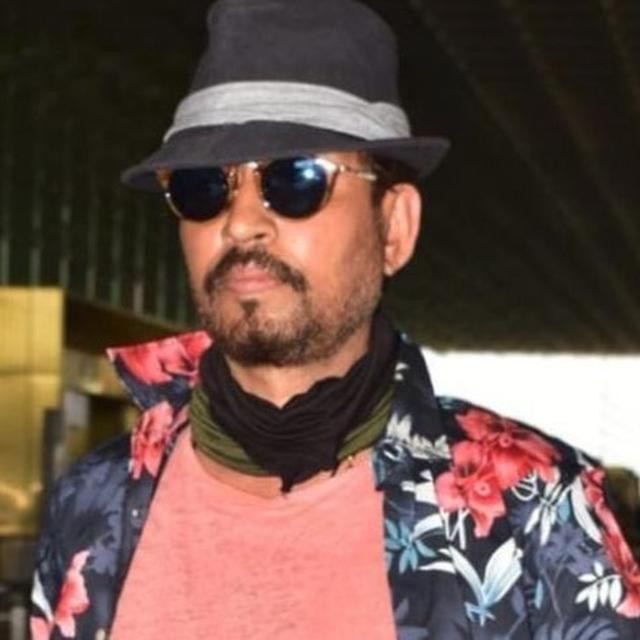 WATCH | IRRFAN KHAN SPOTTED AT THE MUMBAI AIRPORT, REMOVES MASK FOR THE PAPARAZZI