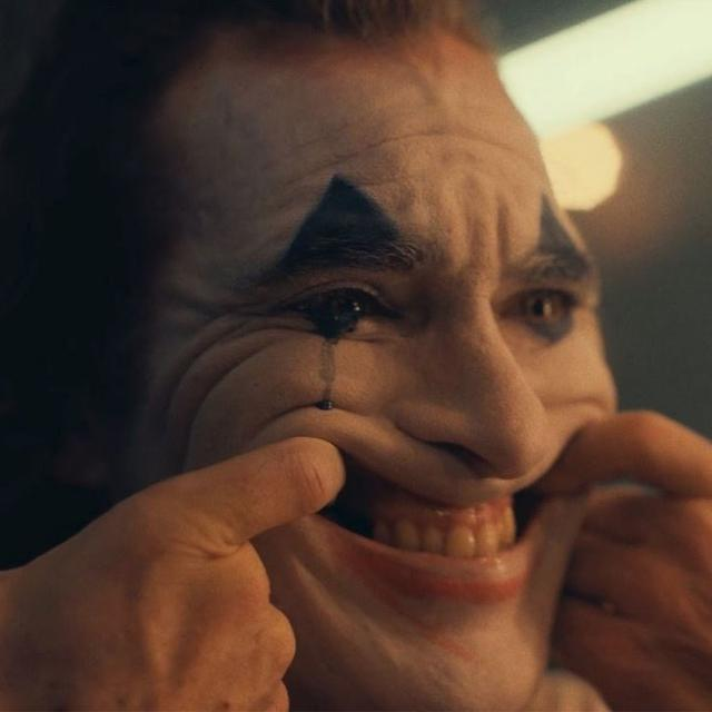 """PUT ON A HAPPY FACE"": THE INTENSE TRAILER OF 'JOKER' TELLS THE ORIGIN STORY OF THE ICONIC DC VILLAIN"