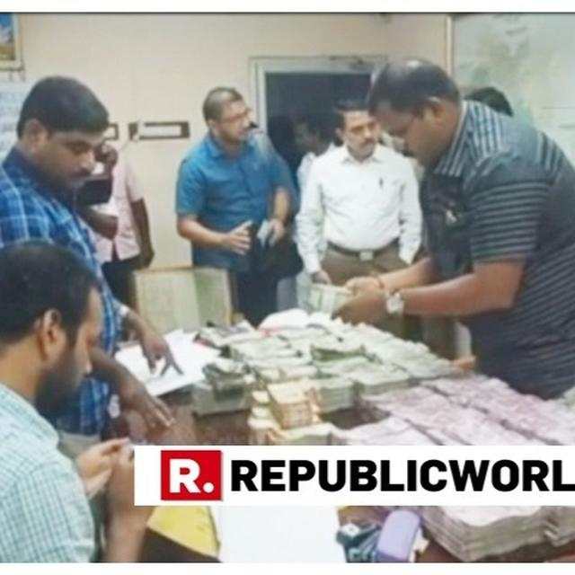 WATCH | EC FLYING SQUAD SEIZES RS 3.47 CRORE IN DHARMAPURI, TAMIL NADU