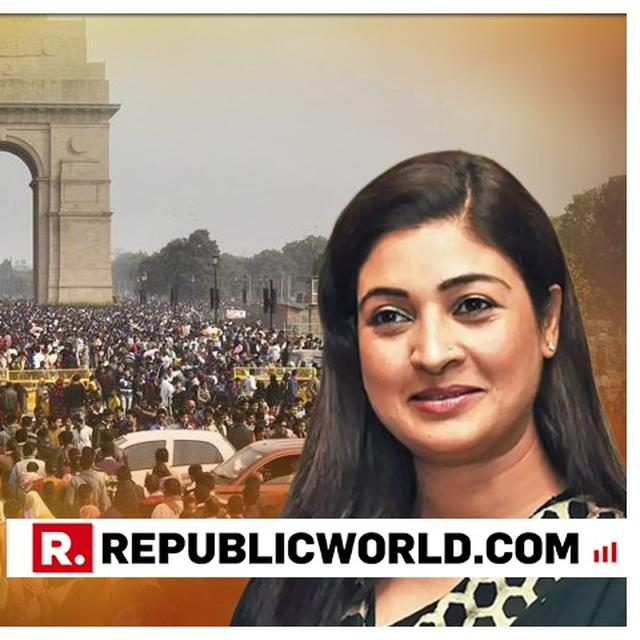 ALKA LAMBA BRINGS TWITTER DARE TO STREETS OF DELHI, ASKS VOTERS IF SHE SHOULD 'QUIT AAP OR CONTINUE?'