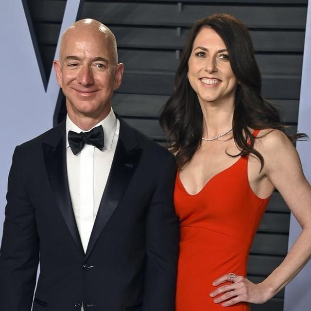 AMAZON CEO JEFF BEZOS IS GETTING DIVORCED