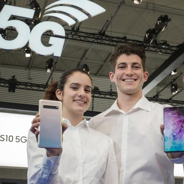 SOUTH KOREA BECOMES FIRST COUNTRY TO LAUNCH COMMERCIAL 5G, SAMSUNG GALAXY S10 5G IS FIRST COMMERCIAL 5G PHONE