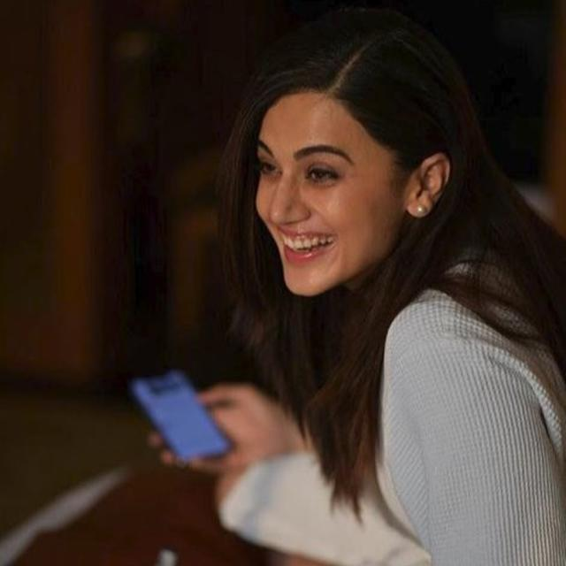 TAAPSEE PANNU'S HILARIOUS RESPONSE ON NOT WINNING AWARDS DESPITE FILMS SUCH AS 'PINK' AND 'MULK' IS WINNING THE INTERNET
