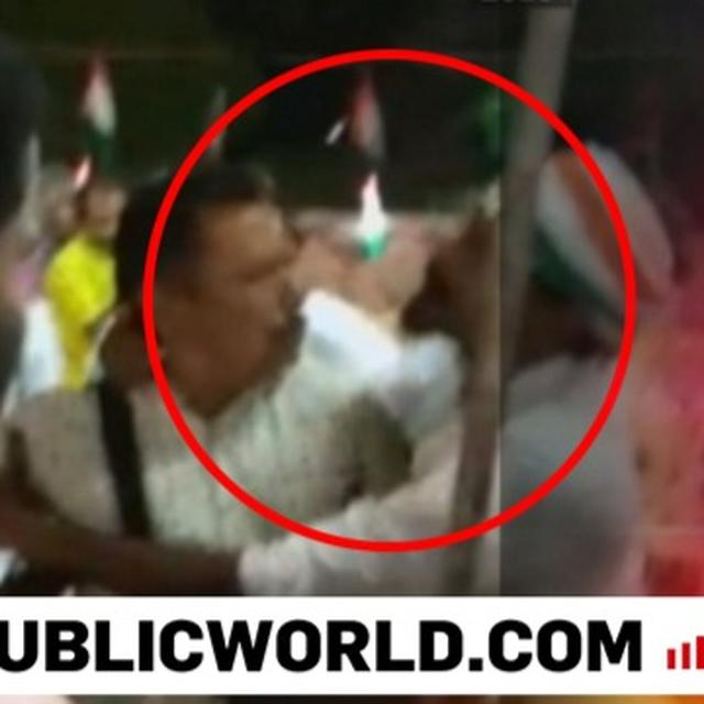 WATCH   CONG WORKERS IN TN ATTACK PHOTOJOURNALIST FOR TAKING PICTURES OF EMPTY CHAIRS OF RALLY