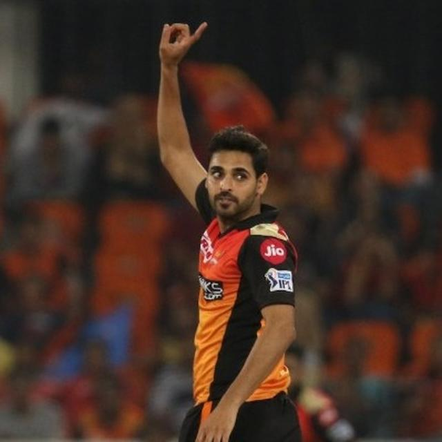 'SALUTE YOU OUR SWING KING': NETIZENS LAUD BHUVENSHWAR KUMAR AS HE HITS THIS LANDMARK IN SUNRISERS HYDERABAD'S 100TH GAME